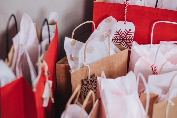 bags-christmas-christmas-gifts-749353